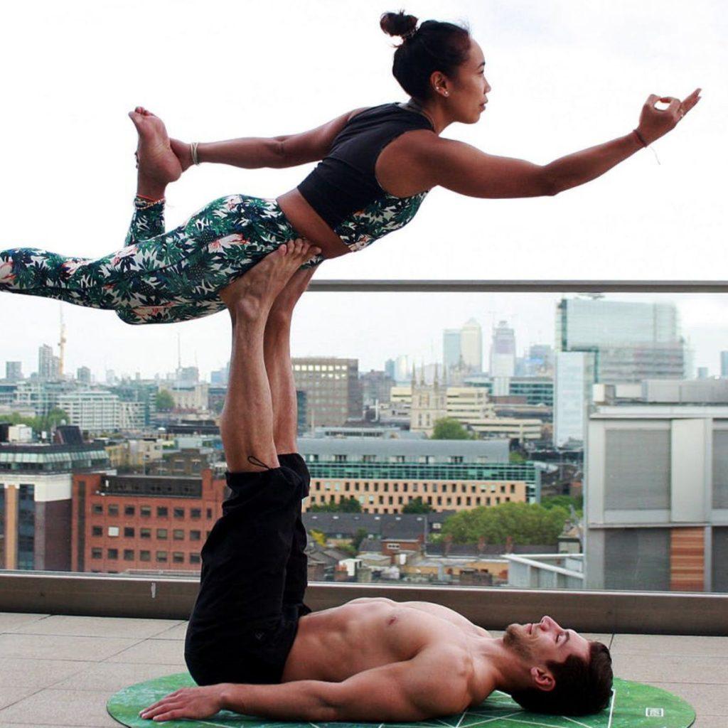 Yoga en Pareja aumenta la confianza