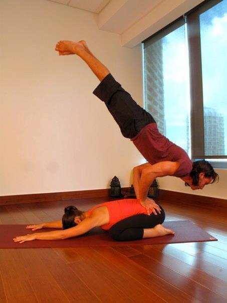 Como hacer Yoga en pareja