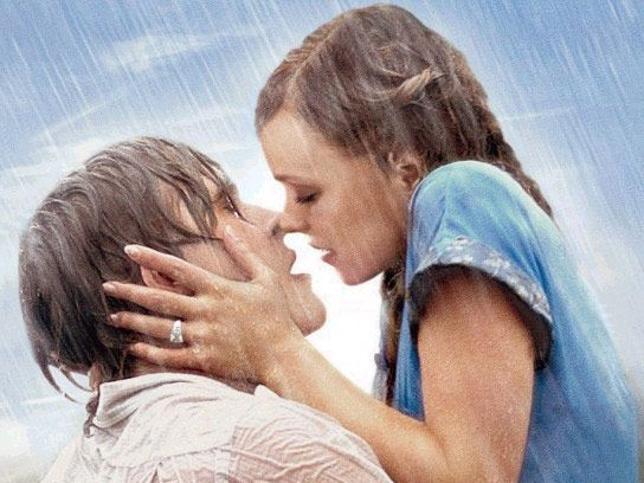 Beso de Pelicula romantica