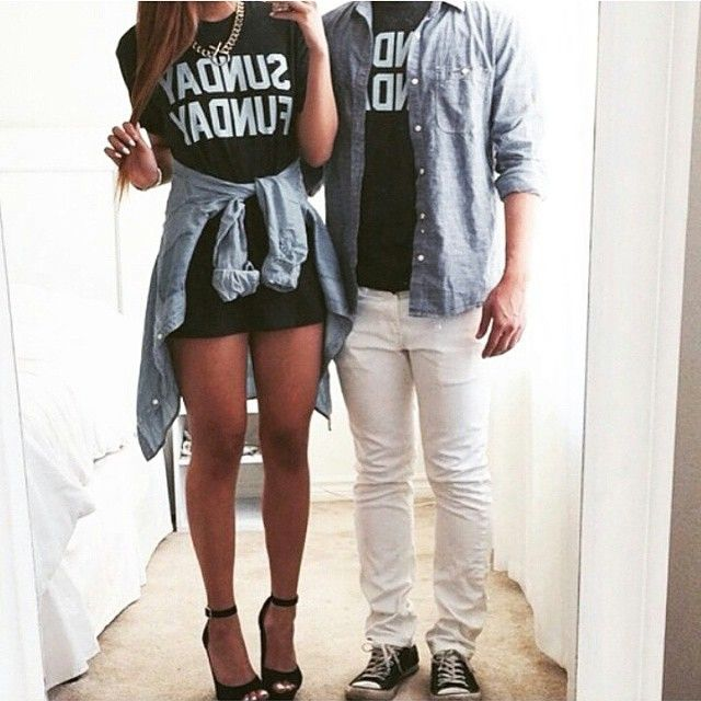 imágenes de parejas vestidas igual