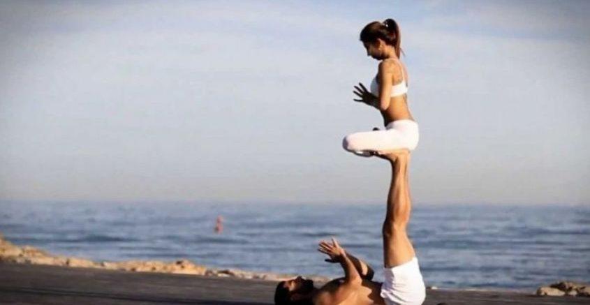 Yoga en Pareja postura para el amor