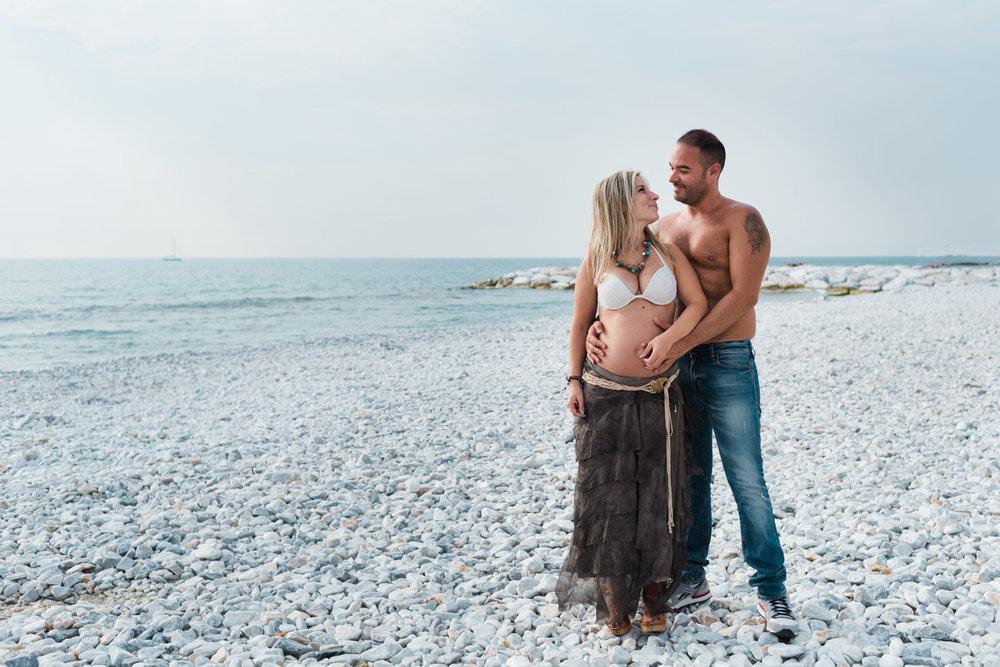 Fotos de parejas embarazadas en la playa